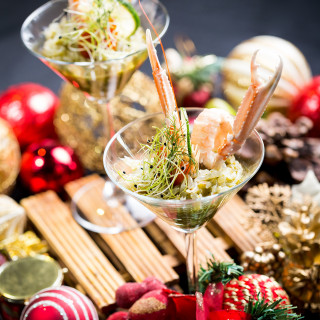Celebrate Christmas and New Year at STREET 50 Restaurant & Bar with its new GLITTER Buffet Menu
