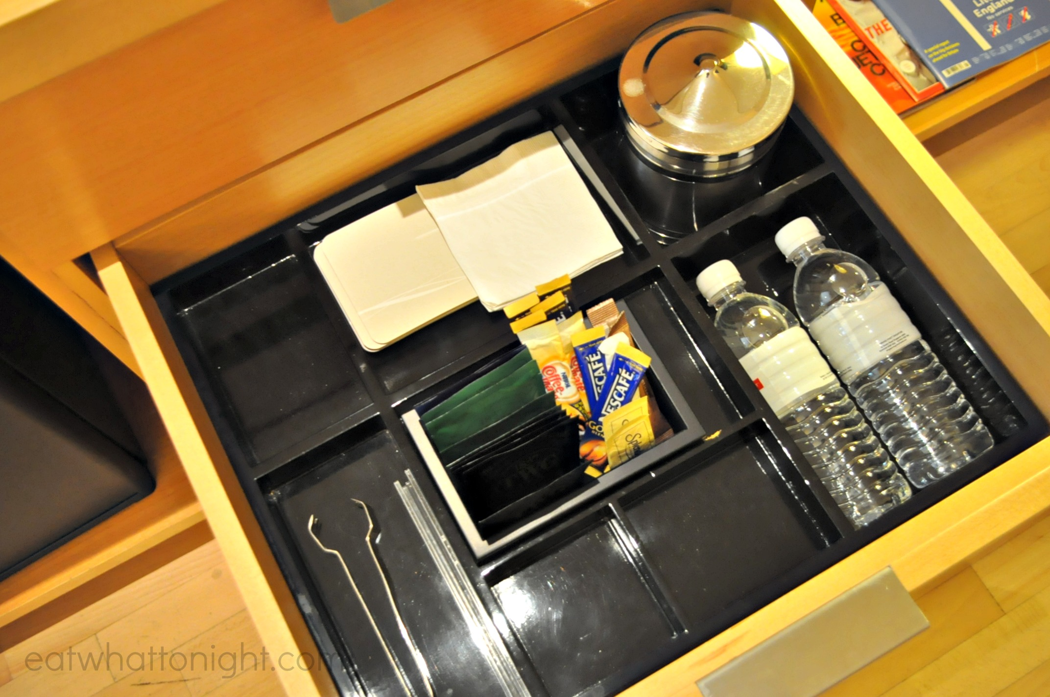 Room_Drawer2