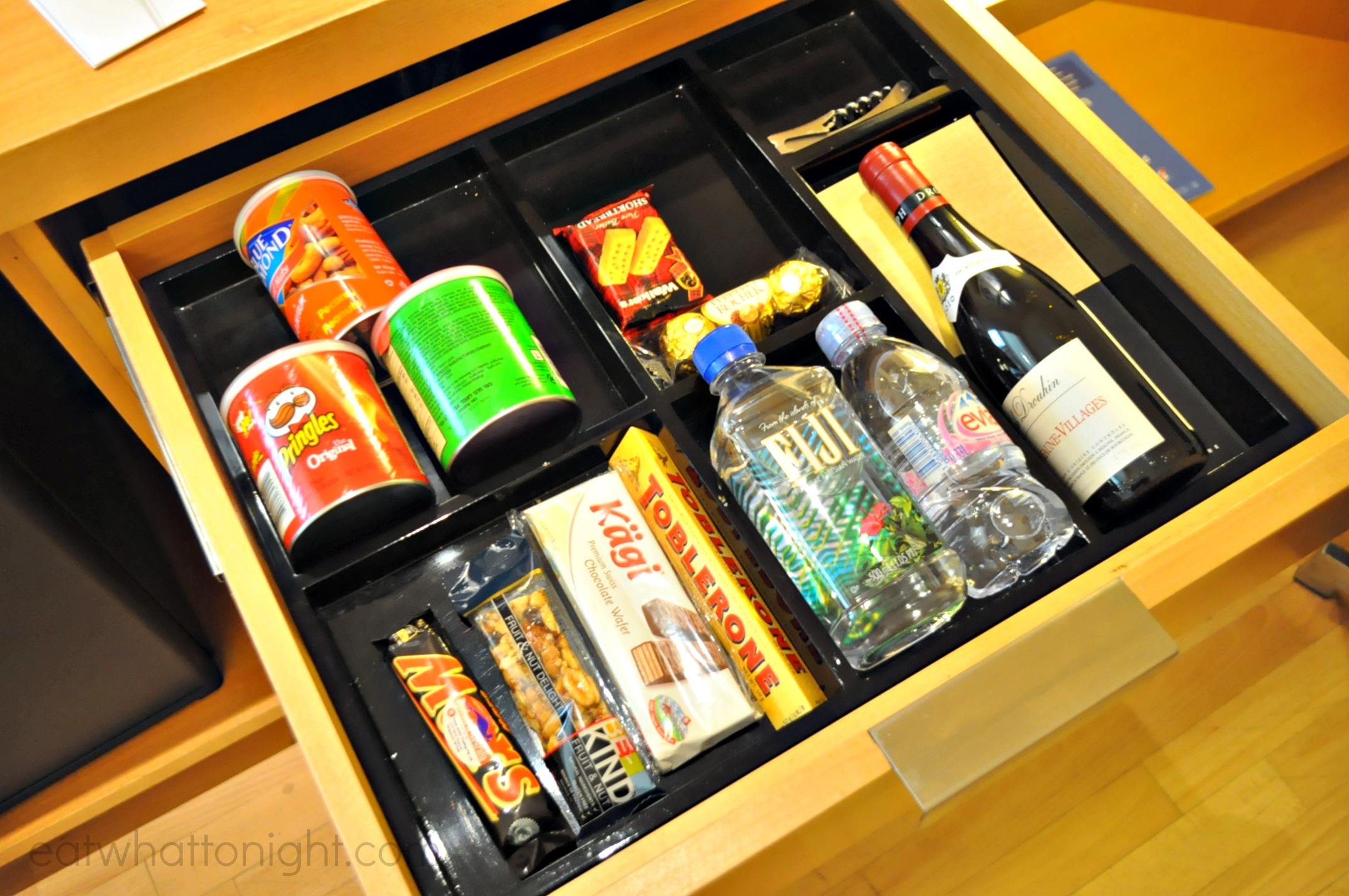 Room_Drawer3