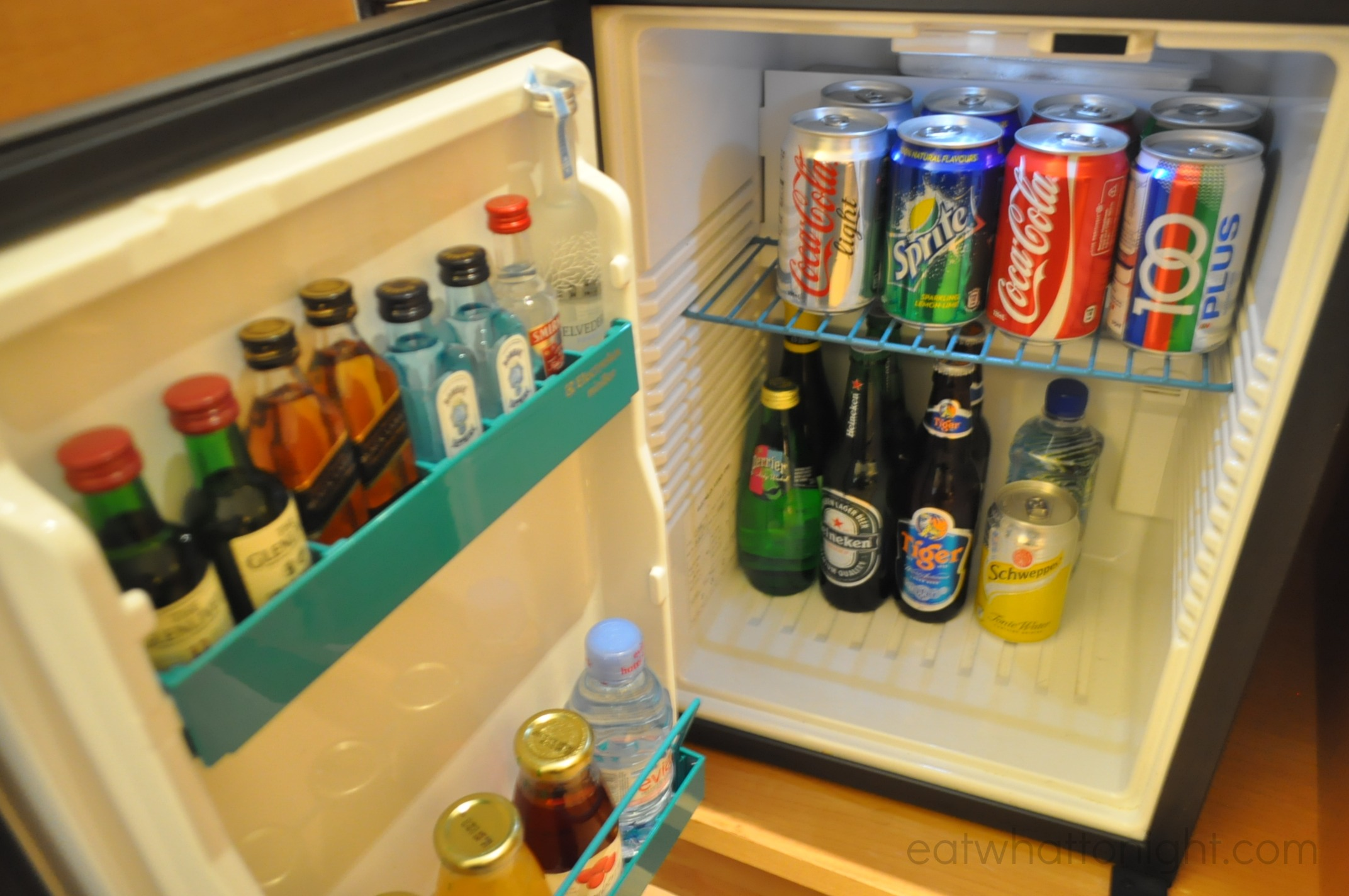 Room_Mini Fridge
