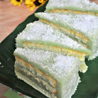 An old school bake that never fails to delight ~ Pandan Layered Cake w Recipe