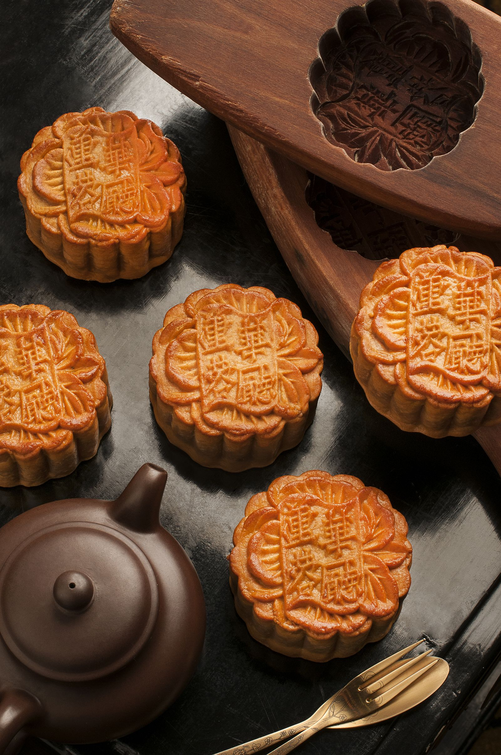 Hua Ting Traditional Baked Mooncakes