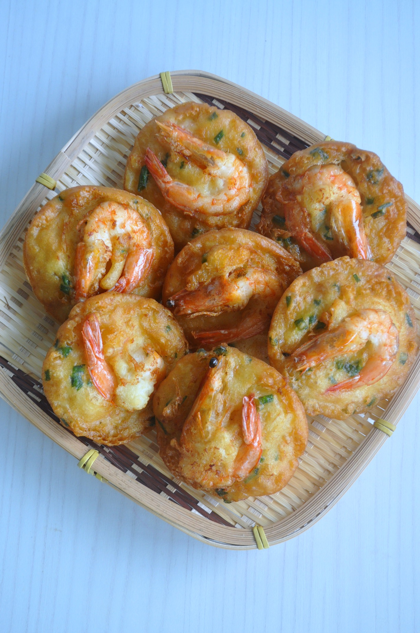 Crispy prawn fritters eat what tonight i am quite a fan of street snacks from local pasar malams to night markets when i travel i never failed to try out the various kinds of street snacks forumfinder Gallery