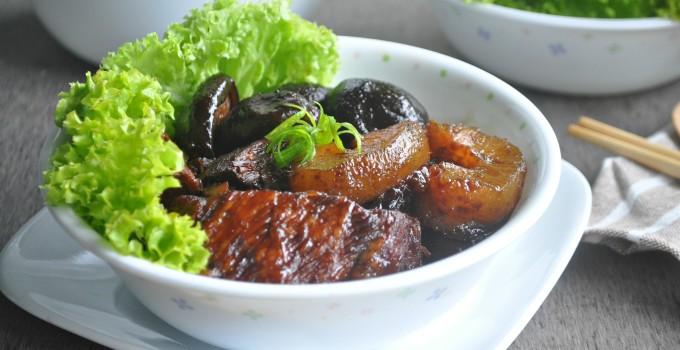 Braised Pork with Sea Cucumber 红烧猪肉海参