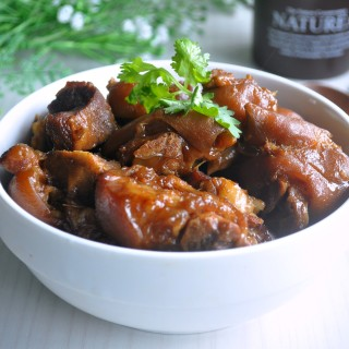 Thai Styled Stewed Pork Leg 泰式焖猪脚
