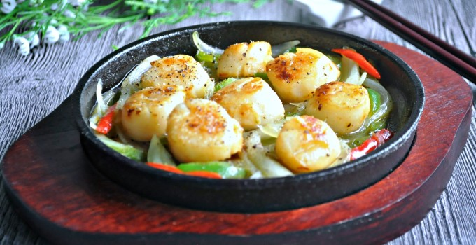 Spicy Lemon Hotplate Scallops 酸辣铁板扇贝