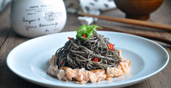 [GIVEAWAY] Asian Noodles w Black Sesame Sauce & Scallions + Free Consultations from Beijing 101 and Shopping Vouchers to be Won 黑芝麻青葱干捞面面