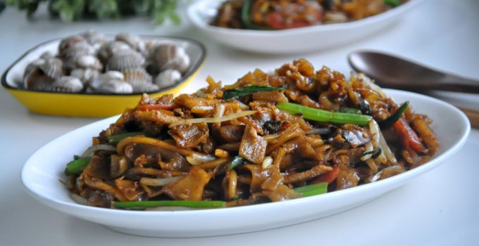 Singapore Style Char Kway Teow 新加坡式炒粿条