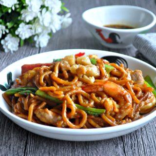 Fried Hokkien Noodles 炒福建面
