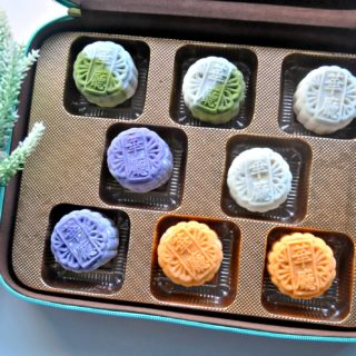 Millennium Mooncakes from Hua Ting @ Orchard Hotel unveils their Signature Snowskin & Timeless Classics for the festive