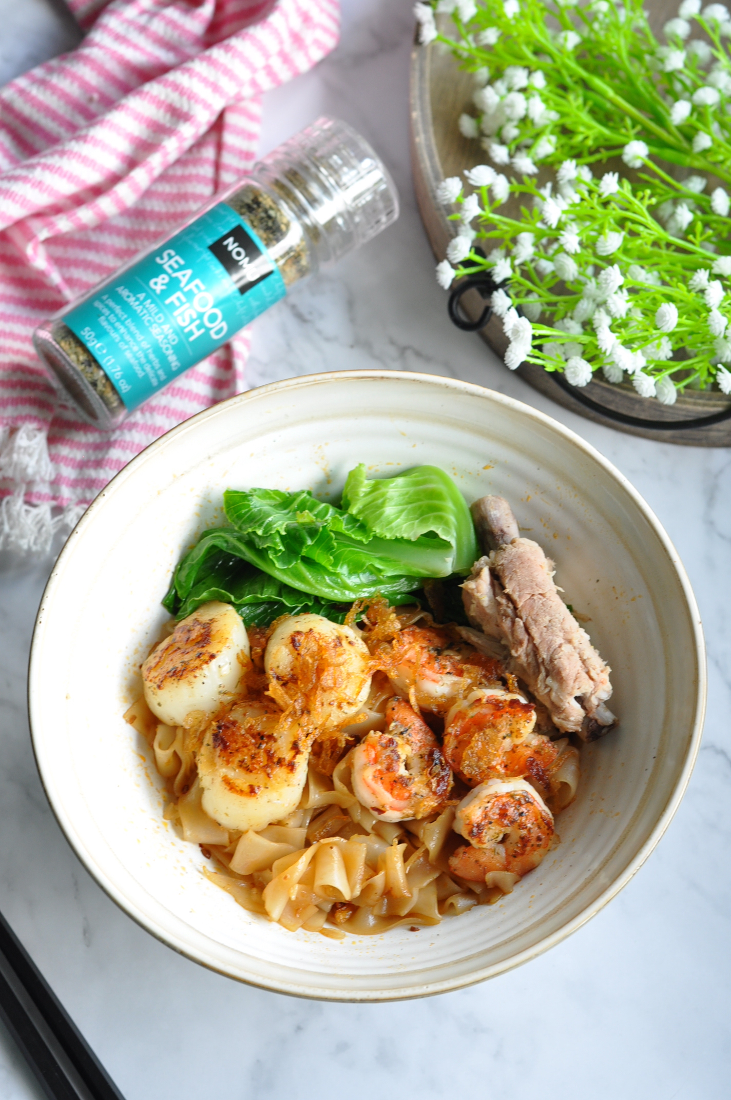 Local style prawn noodles soup with grilled seafood using for Grilled fish seasoning